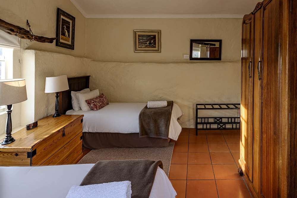 Khoisan Cottage Twin Bedroom, Ganora Guestfarm