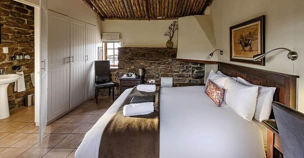 Ou Kraal Bedroom, Ganora